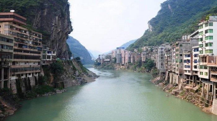 Fakta Uni Yanjin, Kota Tersempit di Dunia yang Lokasinya Terhimpit Sungai dan Pegunungan
