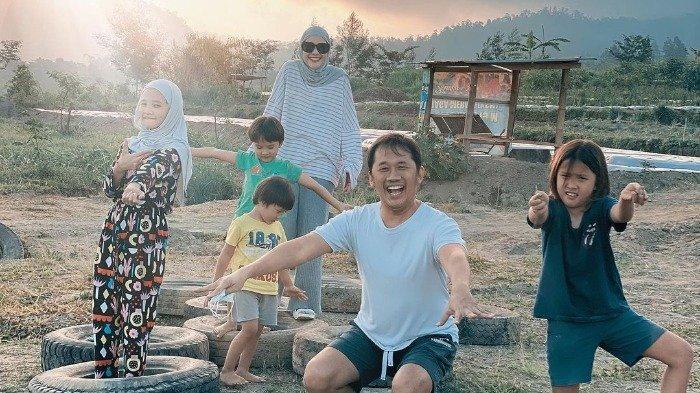 Kangen Liburan, Zaskia Adya Mecca dan Keluarga Random Trip di Sekitar Gunung Merapi