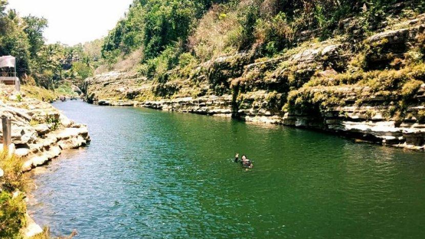 Tag Air Terjun Sri Gethuk 5 Tempat Wisata Instagramable Di Gunungkidul Taman Bunga Hingga Air Terjun Tribun Travel