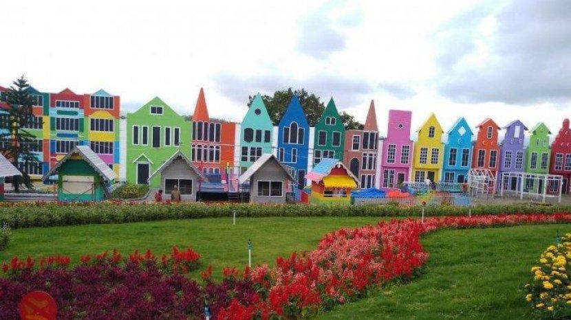 Harga Tiket Masuk Dan Jam Buka Flora Wisata San Terra Malang Tribun Travel