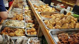 7 Angkringan di Semarang Buat Makan Malam, Ada Angkringan Blendoek dengan Pilihan Lauk yang Melimpah