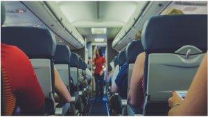 Video Viral Penumpang Wanita Merasa Dilecehkan karena Pakai Crop Top di Pesawat