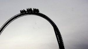 Roller Coaster Kayu di Taman Hiburan Idaho Terbakar