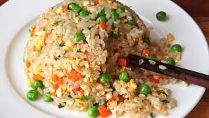 Resep Nasi Goreng Telur Asin, Inspirasi Menu Makan Siang yang Mudah Dibuat