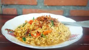 Menu Sahur: 3 Resep Mi Instan Enak, Makin Nikmat Campur Susu dan Sayur