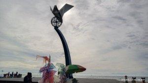 Tugu Merpati Perdamaian di Taman Muaro Lasak, Lokasi yang Cocok untuk Nikmati Sunset di Kota Padang