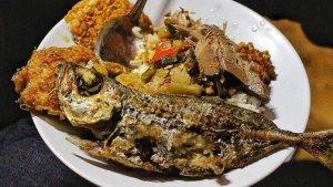 7 Kuliner Malam di Jogja yang Terkenal Enak dan Selalu Ramai, Wajib Mampir di Angkringan Lik Man