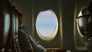 Viral Mahasiswa Kedokteran Bantu Selamatkan Penumpang saat Darurat Medis dalam Penerbangan