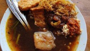 7 Tempat Makan di Surabaya untuk Sarapan, Rawon Pak Pangat Padukan Rawon dengan Krengsengan