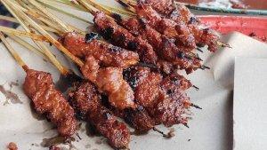 Rekomendasi 6 Sate Enak di Surabaya untuk Makan Malam, Ada Sate Pak Mei hingga Sate Klopo Ondomohen