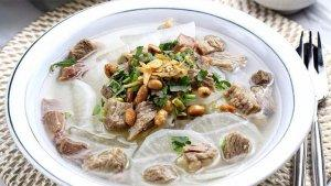 Soto Bandung M. Tarya dan 5 Tempat Makan Soto di Bandung untuk Sarapan