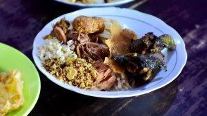4 Nasi Bhuk Khas Madura Enak di Malang Buat Menu Sarapan, Banyak Pilihan Lauk dan Porsinya Mantap