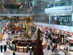 bandara-dubai-uni-emirat-arab_20160809_152923.jpg
