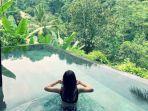berendam-di-pool-hanging-gardens-of-bali.jpg
