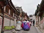 bukchon-hanok-village-satu-tempat-wisata-instagramable-di-seoul.jpg