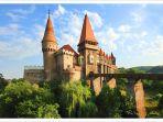 corvin-castle-setting-lokasi-film-the-nun_20180911_181405.jpg