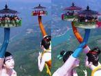flying-kiss-china.jpg