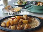 hidangan-hot-fruit-caramel-di-hotel-harris-gubeng-surabaya.jpg