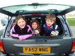 ilustrasi-anak-anak-di-dalam-mobil.jpg