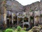 ilustrasi-bangunan-rumah-di-kota-salemi-sisilia-italia.jpg