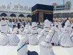ilustrasi-jemaah-umrah-di-masjidil-haram.jpg