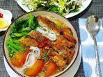 ilustrasi-kuliner-bun-ca-di-vietnam.jpg