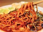 ilustrasi-makanan-pedas-berikut-rekomendasi-5-tempat-makan-dengan-menu-super-pedas-di-jakarta.jpg