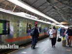 ilustrasi-penumpang-kereta-api1.jpg