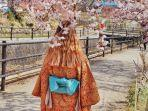 ilustrasi-traveler-berkunjug-ke-saiko-iyashino-sato-nenba.jpg