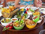 ilustrasi-turis-menyantap-kuliner-tradisional-maladewa.jpg