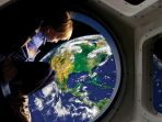 ilustrasi-wisata-ruang-angkasa_20181017_155725.jpg