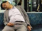 VIDEO: 9 Kebiasaan Penumpang yang Paling Menyebalkan di Kereta Komuter
