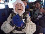 irene-oshea-nenek-berusia-103-tahun-yang-menjadi-skydiver-tertua-di-dunia.jpg