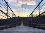 jembatan-gantung-terpanjang-di-as.jpg