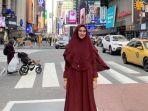 kartika-putri-liburan-bareng-habib-usman-bin-yahya-ke-new-york.jpg