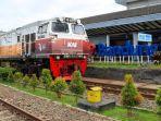 kereta-api-indonesia-di-stasiun-bandung.jpg