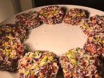 khajoor-ki-mithai-kue-berbahan-kurma-dan-kacang-khas-pakistan-dan-india.jpg