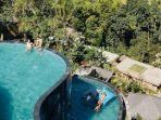 kolam-renang-di-the-kayon-jungle-resort.jpg
