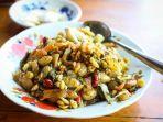 lephet-thoke-salad-daun-teh-yang-merupakan-makanan-khas-myanmar.jpg