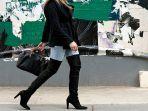 makin-modis-saat-traveling-yuk-intip-tips-pilih-sepatu-traveling-sesuai-bentuk-kaki.jpg