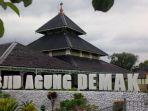 masjid-agung-demak_20170601_103606.jpg