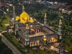 masjid-kubah-emas-di-depok-jawa-barat.jpg