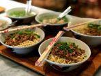 mi-naripan-satu-kuliner-legendaris-di-bandung.jpg