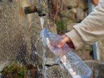 minum-air-dari-keran.jpg