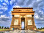 monumen-simpang-lima-gumul-arc-de-triomphe_20170604_105029.jpg