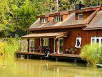 mooi-lake-house-bandung.jpg