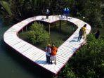 obyek-wisata-alam-hutan-mangrove-jembatan-api-api.jpg