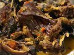 paniki-kuliner-khas-sulawesi-utara-yang-terbuat-dari-daging-kelelawar.jpg