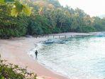 pantai-pasir-putih-kecamatan-watulimo-trenggalek_20180628_163306.jpg