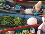 pasar-terapung-lok-baintan-desa-sungai-pinang_20170502_134937.jpg